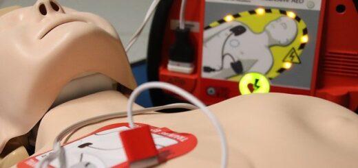 Defibrillatore automatico